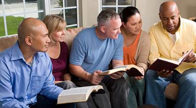 estudo-da-biblia-em-grupo